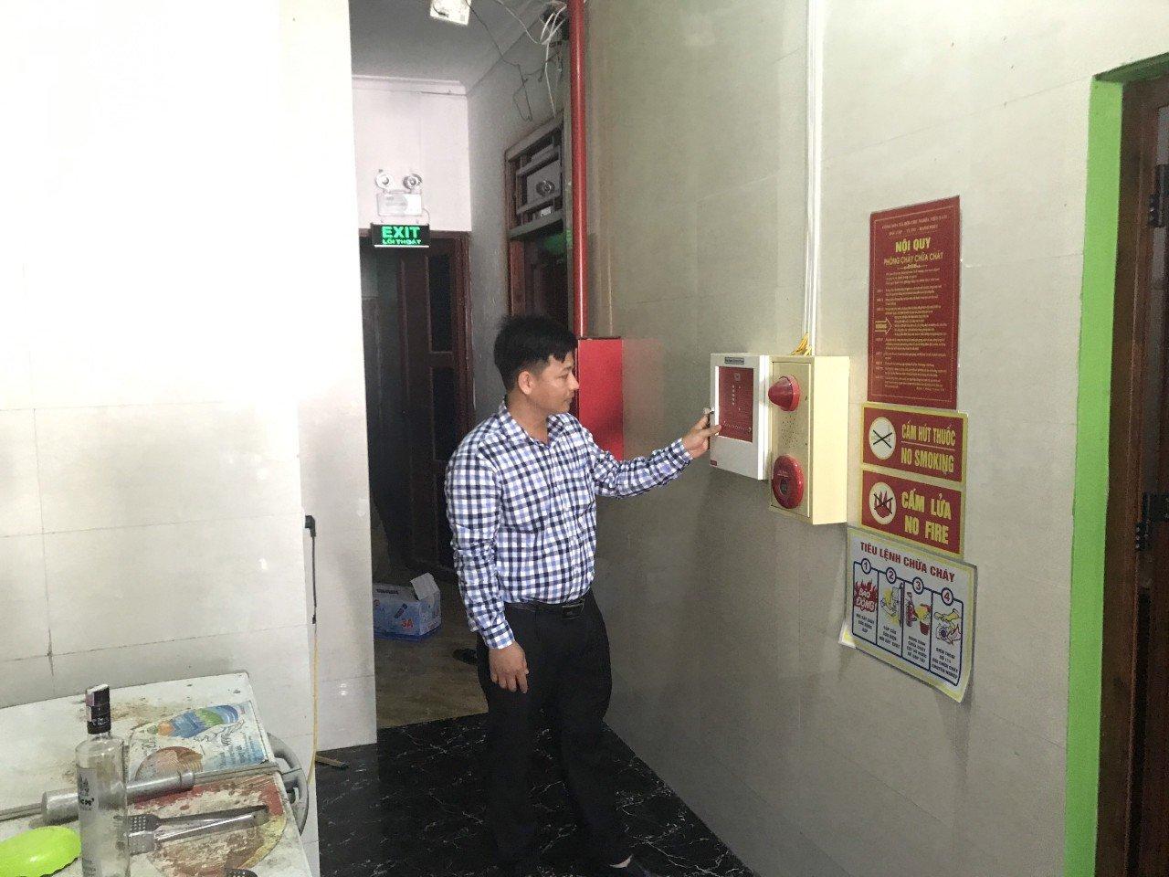 Chiến dịch đưa bình chữa cháy đến từng hộ gia đình thumbnail
